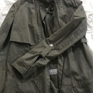 Olive/Army green lightweight jacket!
